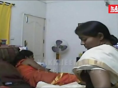 Bangalore Tamil 32 yrs old unmarried fake godman Nithyananda cock's pressed and sucked by 34 yrs old married beautiful, hot and sexy actress Mrs. Ranjitha Rakesh Menon in secretly hidden room of ashram super hit viral porn video - 2010&